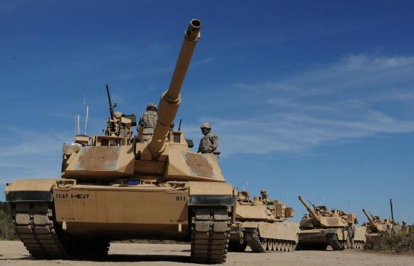Image of M1A2 Abrahms battle tank. Click to view larger image