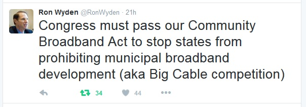 Tweet by Senator Ron Wyden about Community Broadband Act